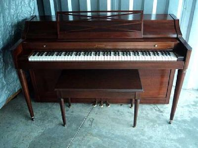 $499 BALDWIN ACROSONIC PIANO-VERY GOOD CONDITION-FREE DELIVERY TO 1st FLOOR