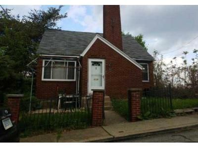 3 Bed 1.5 Bath Foreclosure Property in Pittsburgh, PA 15219 - Shawnee St