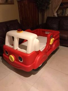 Step2 Firetruck bed EUC with mattress Toddler Bed