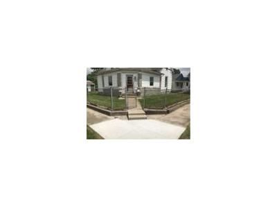 3 Bed 2 Bath Foreclosure Property in Linton, IN 47441 - 1st St NE