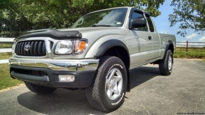 =BEAUTIFUL 2004 Toyota Tacoma=