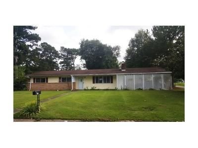 3 Bed 2 Bath Foreclosure Property in Columbus, MS 39702 - Hemlock St