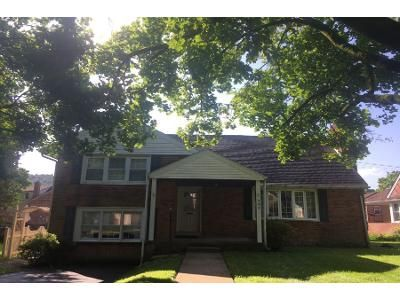 3 Bed 2 Bath Preforeclosure Property in Reading, PA 19606 - Penndale Ave