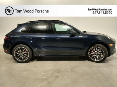 2018 Porsche Macan Turbo (Night Blue)