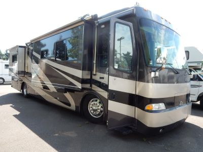 2005 Beaver Motor Coaches Monteray 40' Laguna Diesel