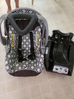 Baby Trend Catalina Ice infant car seat