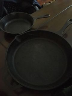 2 cast iron pans, small and bigger one