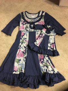Euc navy floral dress with matching doll dress size 6