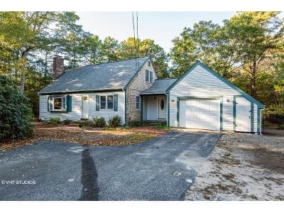 3 Bed 2 Bath Foreclosure Property in Mashpee, MA 02649 - Red Brook Rd