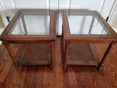 2 glass top solid wood end tables. Excellent condition!