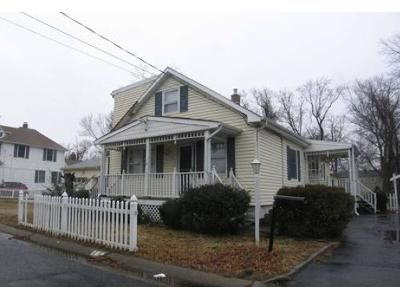 3 Bed 2 Bath Foreclosure Property in Middletown, NJ 07748 - Park Avenue