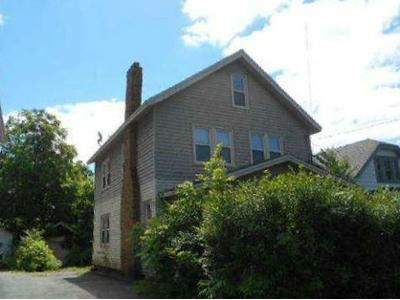 3 Bed 1.5 Bath Foreclosure Property in Syracuse, NY 13203 - Delhi St