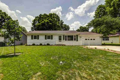 805 East LINCOLN Street MONTICELLO, So much to offer for the