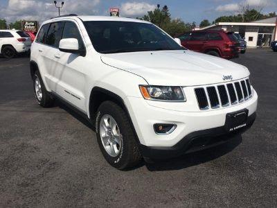 2015 Jeep Grand Cherokee Laredo (Bright White Clearcoat)