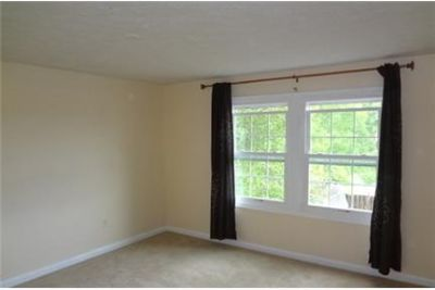 Townhouse in quiet area, spacious with big kitchen
