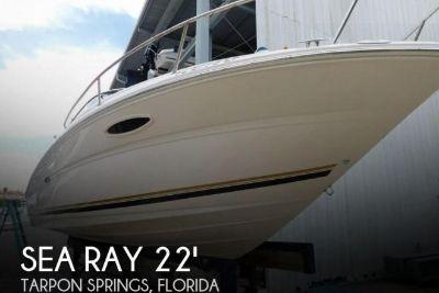 2001 Sea Ray 225 Weekender