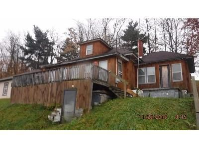 2 Bed 1 Bath Foreclosure Property in East Liverpool, OH 43920 - Baxter St