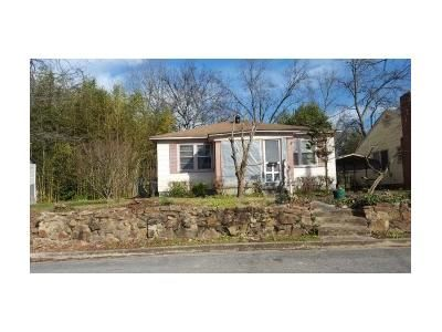 3 Bed 2 Bath Foreclosure Property in Gadsden, AL 35901 - S 10th St