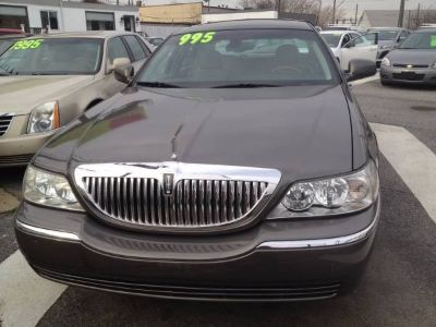 2003 Lincoln Town Car Signature (Charcoal Grey Metallic)