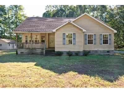 3 Bed 2 Bath Foreclosure Property in Water View, VA 23180 - Langford Ln