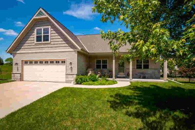 306 Richards PL West Bend Four BR, This Spacious Ranch home is