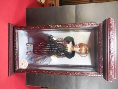 16 Inch Porcelain Doll w/Swarovski Earrings and Necklace in Glass/Wood Case