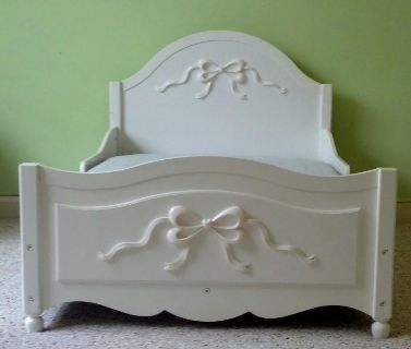 KidKraft Tiffany Toddler Bed - White