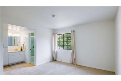 osa Beach - Ocean osa Beach Townhouse - This large two bedroom. Washer/Dryer Hookups!