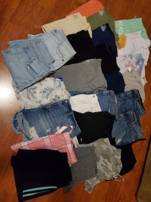 Mixed Lot of Teenage/women's clothing More than 25 items