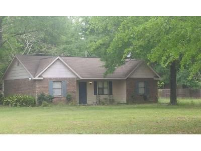 3 Bed 2 Bath Foreclosure Property in Lucedale, MS 39452 - Ipc Rd