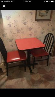 Restaurant style table and chairs set