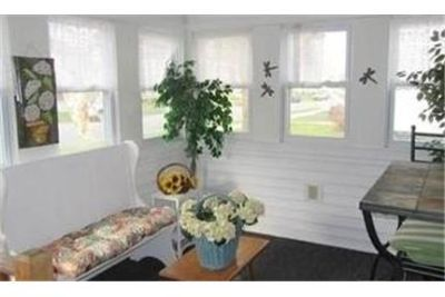 3 bedrooms House - Great Location In the Village Of Ballston Spa.