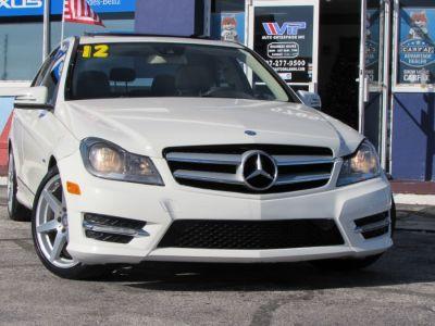 2012 Mercedes-Benz C-Class C250 Luxury (Diamond White Metallic)