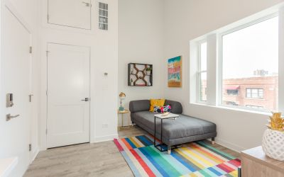 Buena Park Gut Rehabbed Studio, Steps from the beach! In-Unit W/D, Custom Kitchens, Lounge and Pub Room!