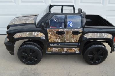 12 volt Chevy Silverado by RollPlay in Black and Camouflaged-2017