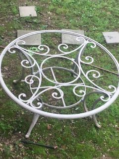 Iron/glass patio table with stand