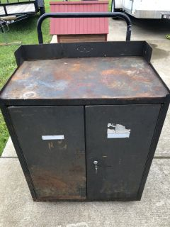 Old Military Tool Storage Cabinet with 3 drawers on Wheels and the Lock works