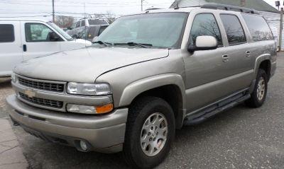2002 Chevrolet Suburban 1500 LS (Light Pewter Metallic)