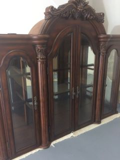 FSBO Fine Furniture 2 Piece Detailed Hutch/Buffet & Display China Cabinet. Mint Cond!