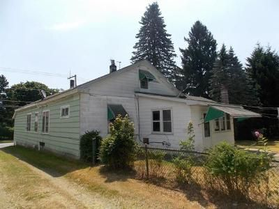 3 Bed 1 Bath Foreclosure Property in Hazleton, PA 18201 - Cafe Ct