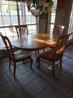 Ethan Allen Table & Chairs