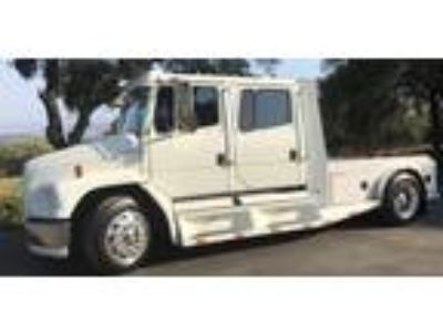 2003 FREIGHTLINER Sport Chassis P2