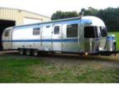 1993 Airstream Classic Excella 1000 Camper Trailer