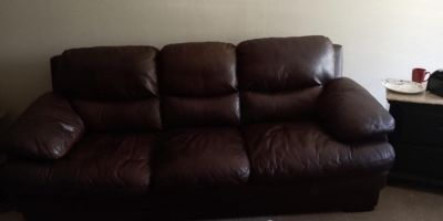 Gallery Furniture Leather Couch