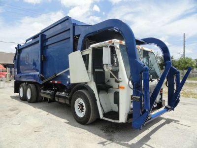 2005 Mack LE613 HEIL Front Loader 28 Yards Garbage Truck