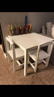 Kids crafts wooden toddler table