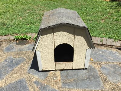 Dog house *PRICE REDUCED*