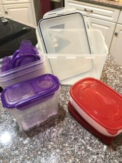 Assorted Plastic Containers