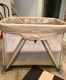 Nuna Sena Playard - Bassinet, play pen, travel crib