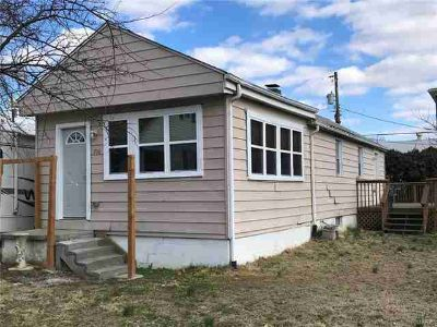 706 North Charles Belleville Two BR, TINY HOME with BIG STYLE!